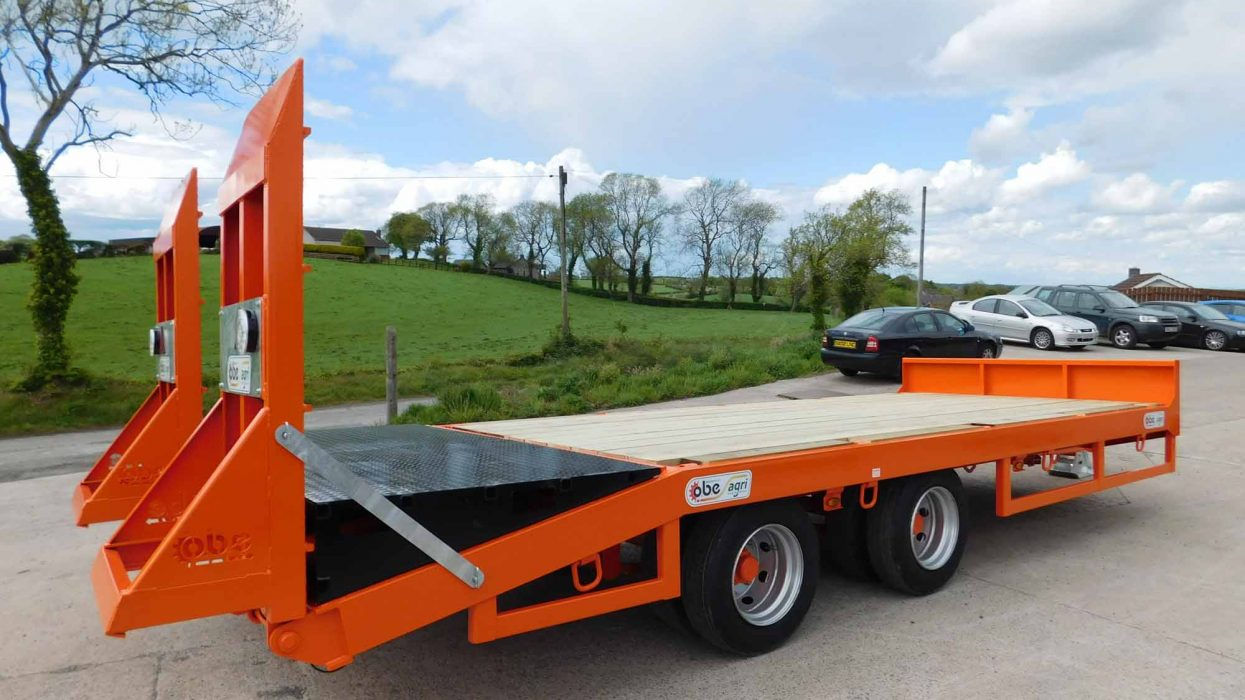OBE Agri 15.5 ton tandem axle low loader with bale wedge