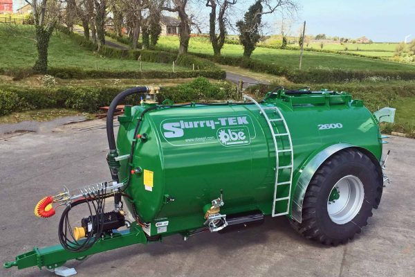 2600 gallon low centre gravity tanker