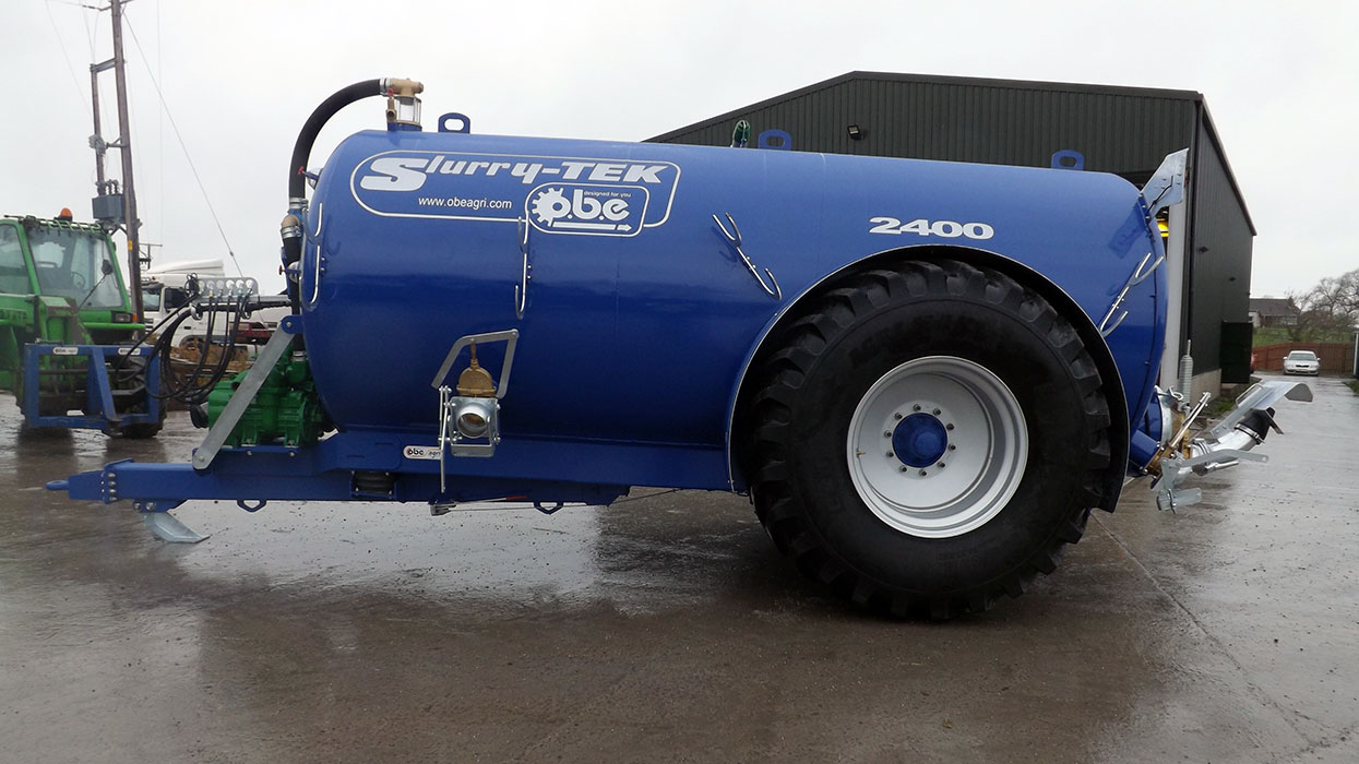 Low centre gravity tanker