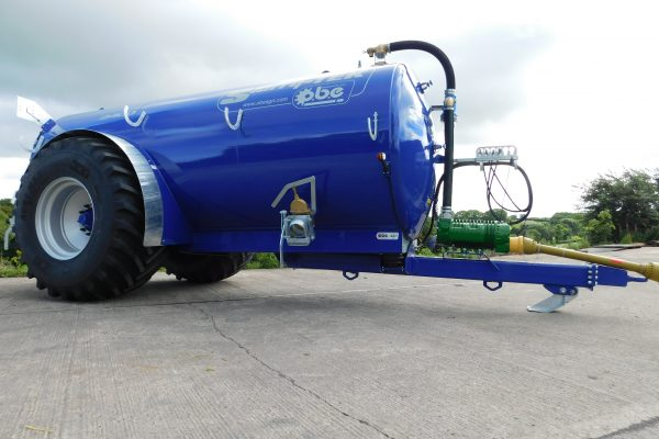 Slurry-TEK 2400 gallon low centre gravity tanker